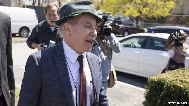 Paul Simon outside court