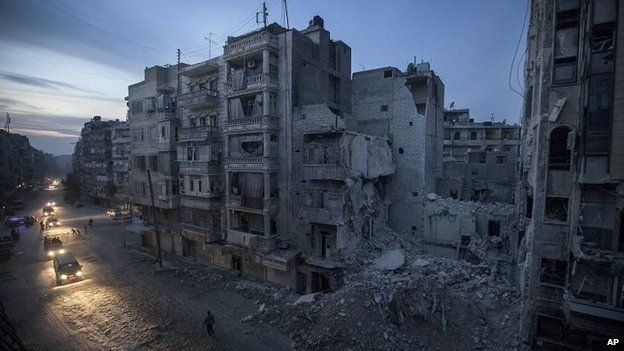 Damaged buildings in the centre of Aleppo (November 2012)
