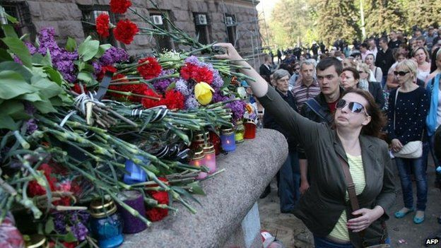 Flowers for the dead in Odessa, 3 May