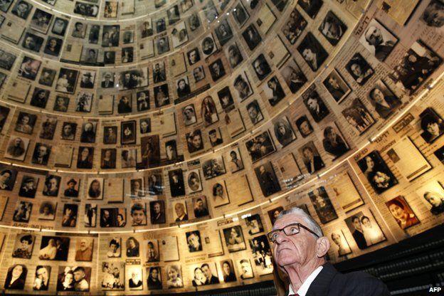 Andrea Bartali, son of Gino Bartali, visits the Yad Vashem Holocaust Memorial