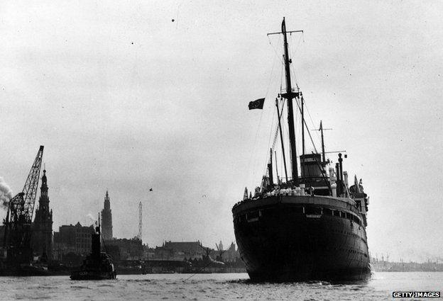 The St Louis arriving in Antwerp