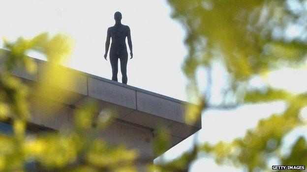 Event Horizon sculpture in London