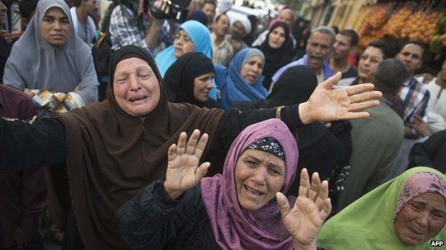 Relatives react to death sentences for Muslim Brotherhood leaders - 28 April
