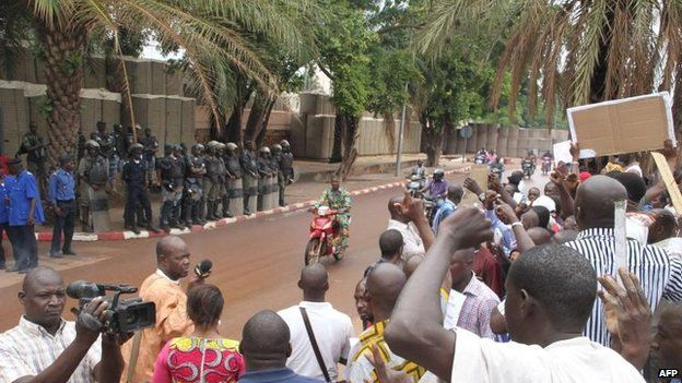 Malians protest at the French embassy in Bamako over the rebel occupation of Kidal, 19 May