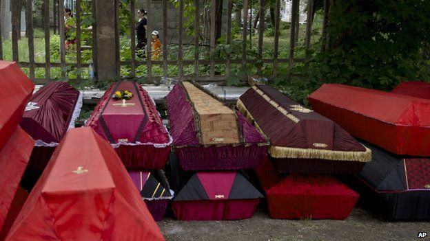 Coffins of pro-Russian separatists in Donetsk (29 May 2014)