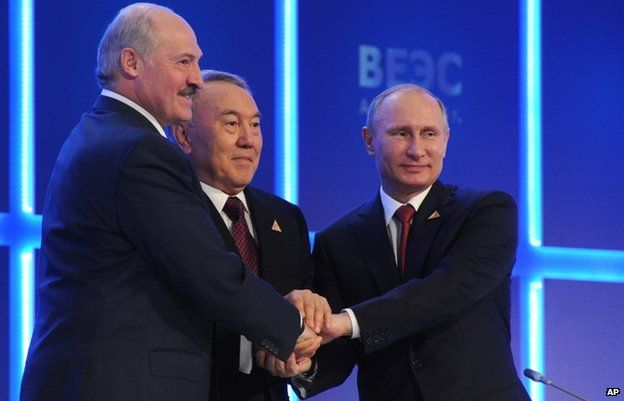 From left to right: Belarusian President Alexander Lukashenko, Kazakh President Nursultan Nazarbayev and Russia's Vladimir Putin