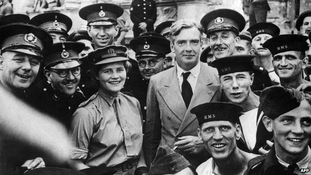 Mary Churchill with members Britain's armed services and Conservative politician Anthony Eden in the 1940s