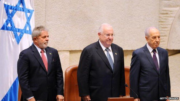 Reuven Rivlin (C) in his role as Speaker in the Israeli Knesset
