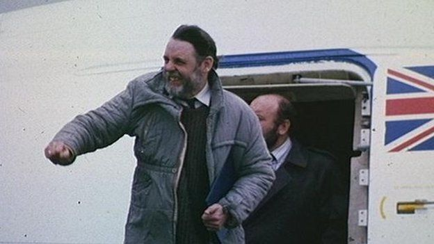 Terry Waite arriving back in Britain