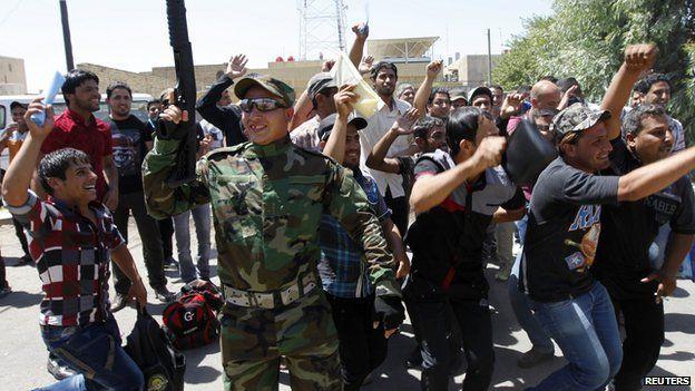 Shiite volunteers in Baghdad