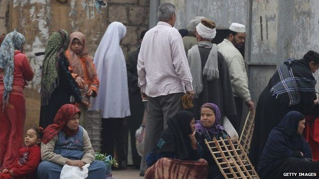 Bread queues at Magra El-Oyoun market in Cairo on 24 January 2012