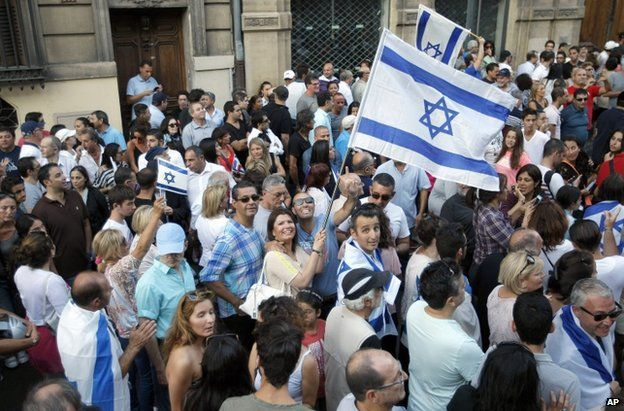 Supporters of Israel in Marseille, France, 27 July