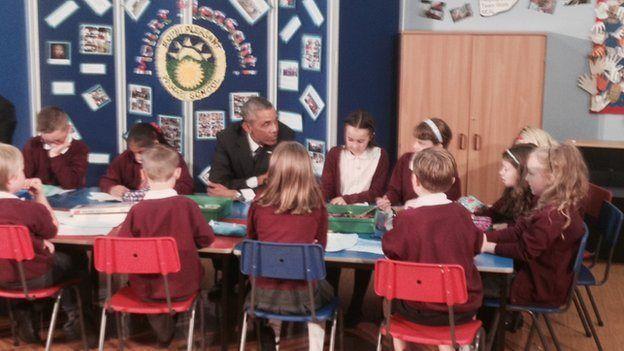 Obama yn yr ysgol