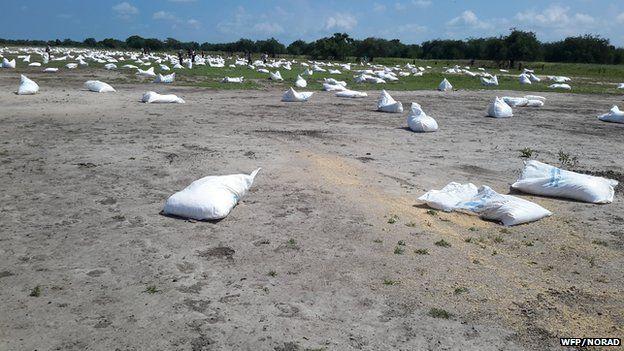 Food air drops in South Sudan (September 2014)