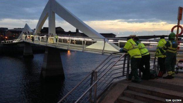 Emergency services at the Tradeston Bridge