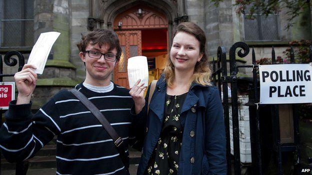 Voters in Edinburgh