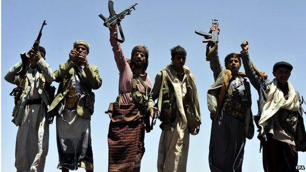 Houthi rebels overlooking Sanaa (22/09