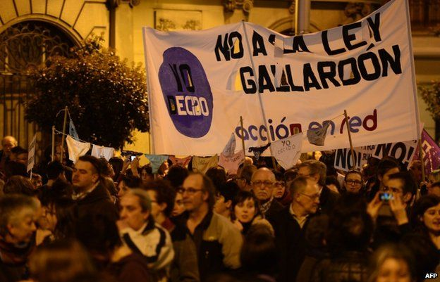 Street protest marking International Women's Day in Madrid (8 March 2014)