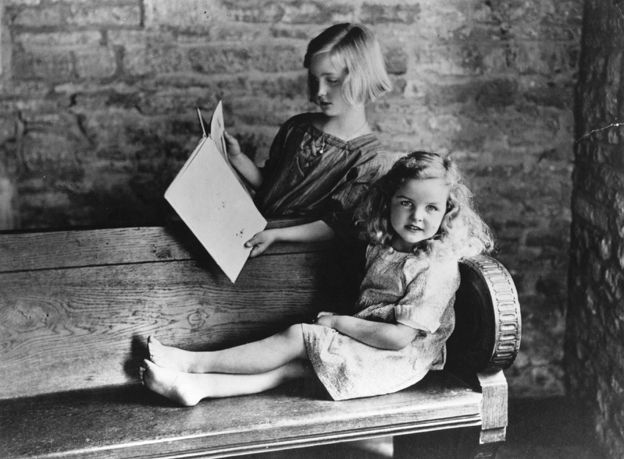 Unity and Jessica Mitford as young girls