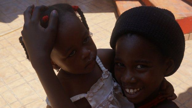 Children at the Rio Branco migration centre