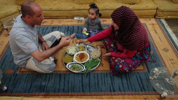Asia Thabet Rafaan cooking in Yemen