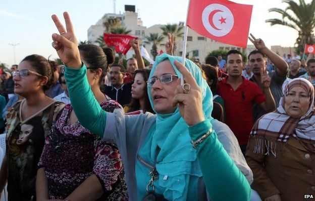 Supporters of Tunisian leader of Popular Front party Hamma Hammami attend his electoral campaign in Sousse south of Tunis, Tunisia, 16 October 2014.