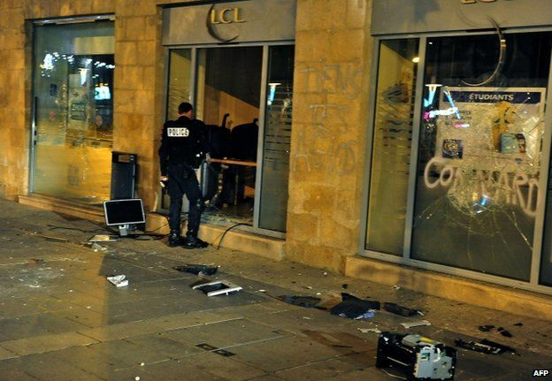 Banks were targeted in Nantes as anti-airport protesters took to the streets after Remi Fraisse's death (27 Oct)