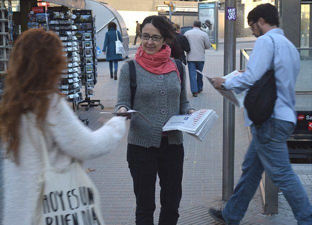 Political leaflets being distributed in Barcelona, 6 Nov 14