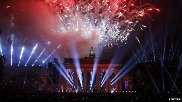 Fireworks over Brandenburg Gate followed the release of the balloons, 9 Nov