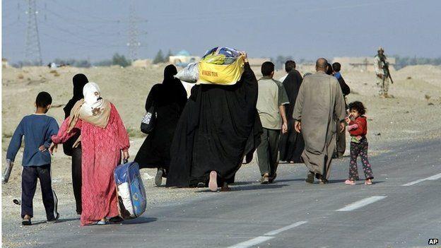 Iraqi families leave Falluja (15/11/14)