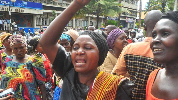 Street vendors protesting