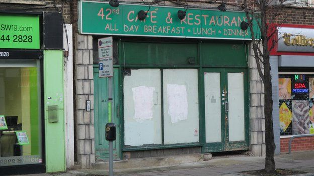 Closed cafe in Colliers Wood High Street