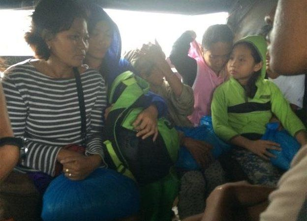 People going home from evacuation centre in Legazpi (8 Dec 2014)