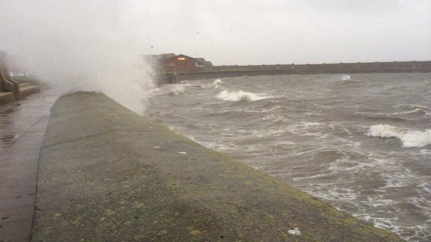 Waves at Ardrossan