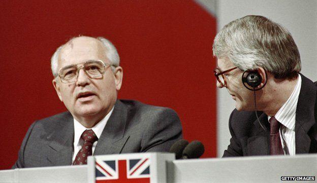 Mikhail Gorbachev with John Major at the G7