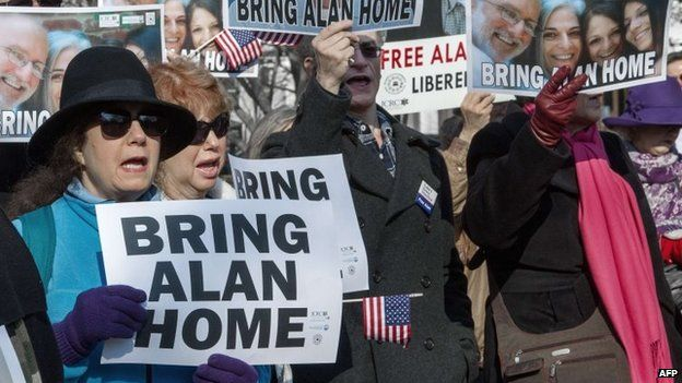 Supporters of Alan Gross at a rally in Lafayette Park on 3 December, 2013