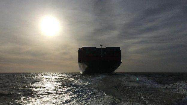 CSCL Globe approaching Felixstowe