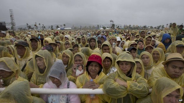 Crowds at the papal Mass in Tacloban