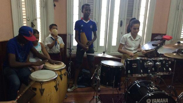 Children practise in La Colmenita in January 2015