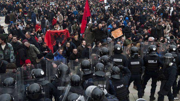 Clash in Pristina, 27 Jan 15