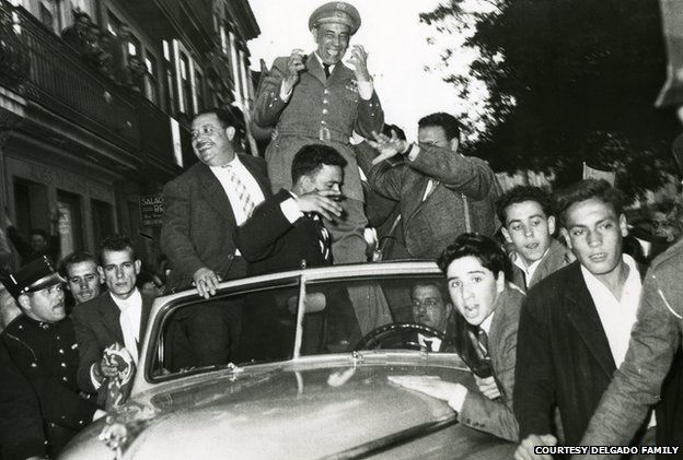 General Delgado in Oporto, 14 May 1958. An estimated 400,000 people awaited him on the streets, in one of the biggest political rallies in Portuguese history.