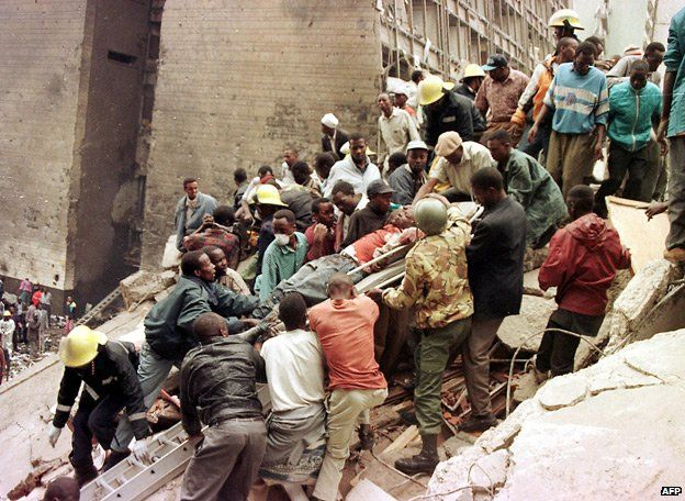 Removing casualties after the Nairobi embassy bombing (1998)