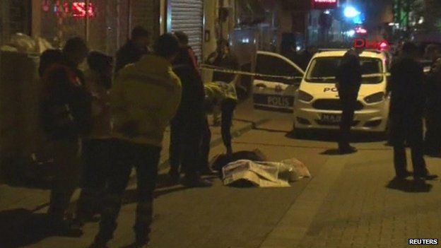 The body of Umarali Kuvatov on the streets of Istanbul (05 March 2015)