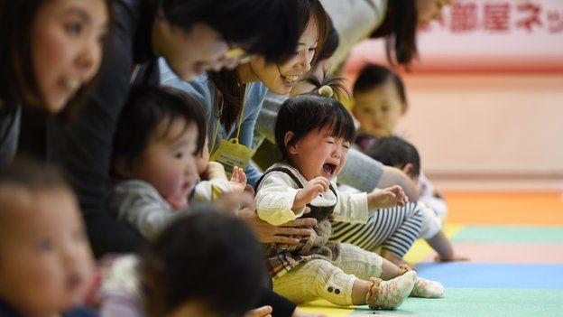 Tokyo Medical University 'changed female exam scores' - BBC News