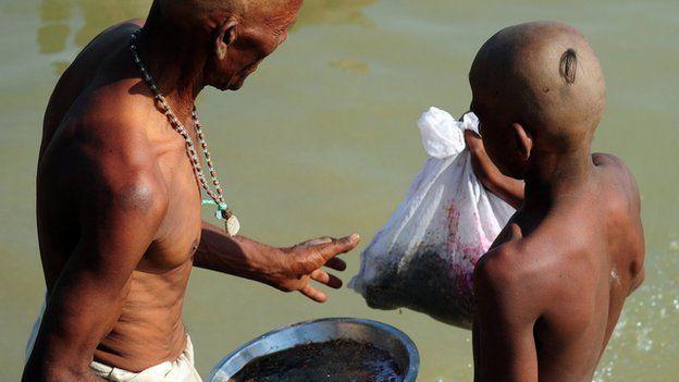 Hindu burial