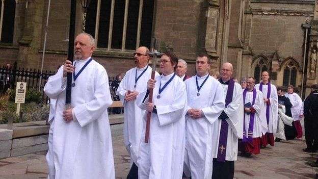 Clergy leave cathedral