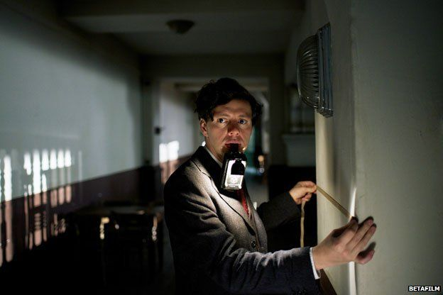In the film Georg Elser prepares to plant the bomb