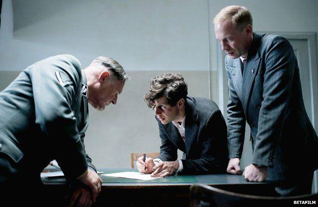 Elser interrogation scene from the film