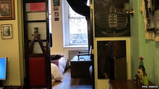Dylan's flat