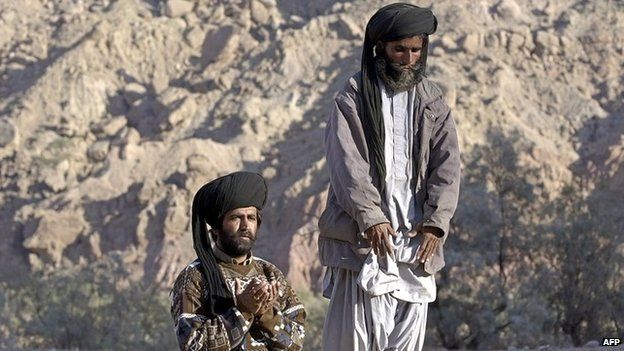 Bugti tribals in the town of Dera Bugti in Pakistan's volatile south-western Balochistan (January 2006)